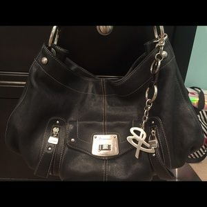 B makowsky  Handbags - B Makowsky black leather shoulder bag.