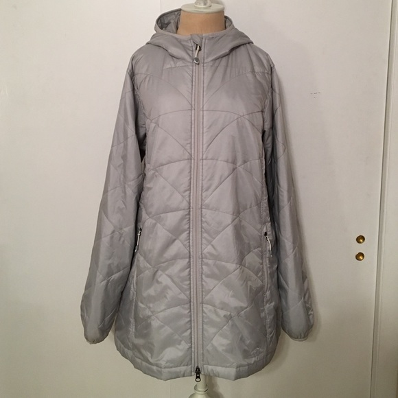 f5a393240278 L.L. Bean Jackets   Blazers - Women s L.L. Bean PrimaLoft Packaway Coat