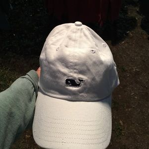Accessories - Vineyard Vines hat