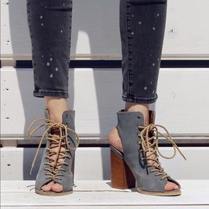 Shoes - SALEPEEP TOE BACKLESS LACE UP SANDALS