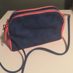Handbags - 🎄Navy and coral cross body purse