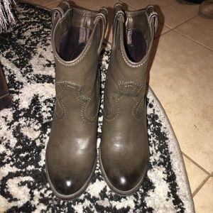 JustFab brown western booties size 6.5