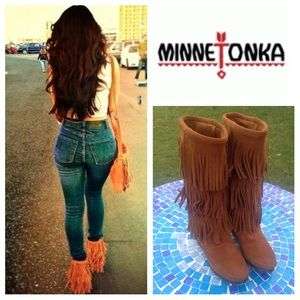Minnetonka Shoes - LIKE NEW!  Minnetonka suede 3-layer fringe boots