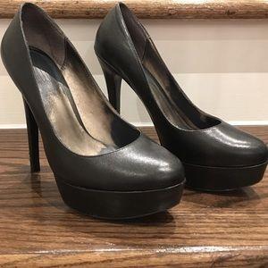 Pelle Moda Black heels