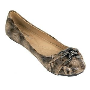 Tory Klein Shoes - Women Ballerina Chain Buckle Flats, b1621 Taupe