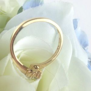 Jewelry - Diamond & gold ring
