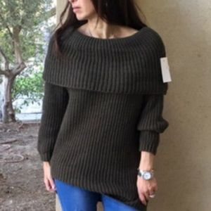 Sweaters - Olive green made in Italy cowl neck sweater