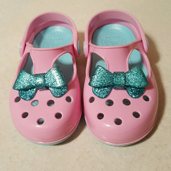 6530ae5b802a11 CROCS Other - Kids Carlie Glitter Bow Mary Jane In Pink