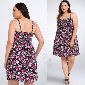 Torrid Floral Lace Up Dress Plus Size 1X NWT