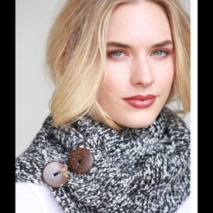 simonetta Accessories - Mix knit infinity scarf!💕😝