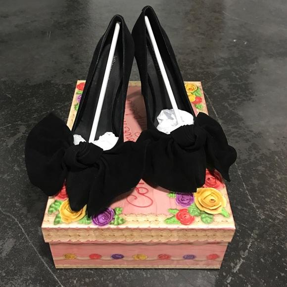 70fde731ab2 Jeffrey Campbell Grandame Bow Heels 👠