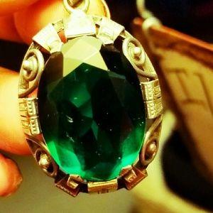 Green emerald quartz pendant