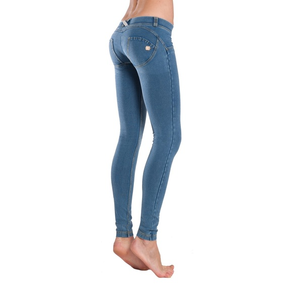meet 31e7c 0ab57 Freddy WR. UP butt shaping Jeans NWT