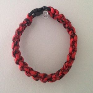 Jewelry - Red and Black paracord bracelet
