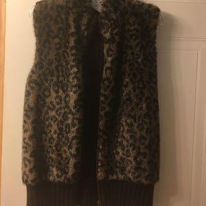 Other - Faux fur print vest