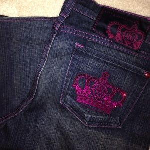 Rock & Republic blue jeans with fuchsia stitching