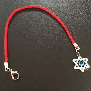 Jewelry - Red string protection bracelet with Star of David