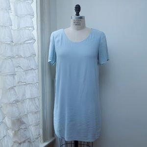 Aritzia Dresses & Skirts - Aritzia Crepe T-shirt dress