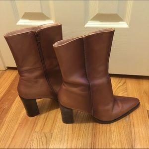 Brown leather Hokus pokus boots 9