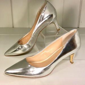 Banana Republic Shoes - Banana Republic Silver Heels