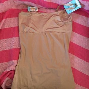 ASSETS by Sara Blakely Other - Love your Assets shaper top 1X NWT