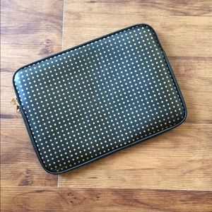 Accessories - Laptop sleeve black with gold polka dots