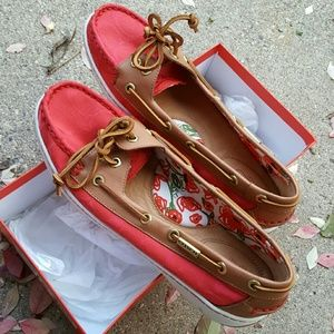 Coach Shoes - Coach Richelle in hibiscus / ginger 10M boat shoes