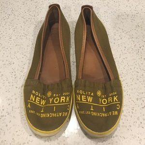 """Tory Burch Shoes - 🆕LISTING! Tory Burch """"Meat Packing"""" flats"""