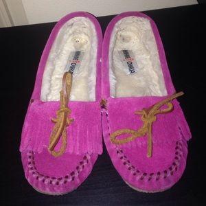 Minnetonka Shoes - Minnetonka Pink Moccasins