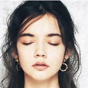 17Basics Jewelry - ❗FINAL SALE❗17Basics gold plated drop earrings