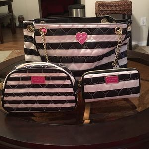GUC Betsey Johnson BE MINE Tote Set SOLD OUT!