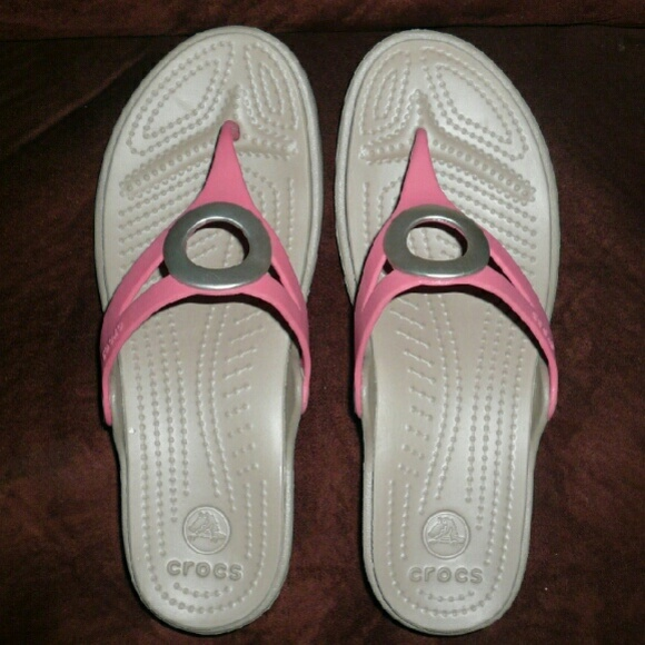 1f7ad6e40967 CROCS Shoes - Crocs coral nude elevated flip flops NWOT 7