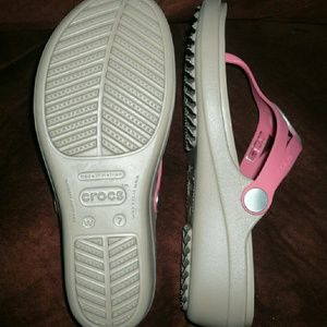 d04c00708 CROCS Shoes - Crocs coral nude elevated flip flops NWOT 7