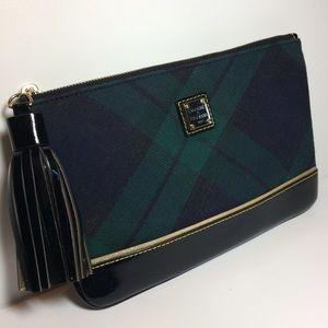 Dooney & Bourke Handbags - New Dooney and Bourke Clutch