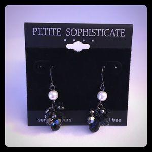 Petite Sophisticate Jewelry - NWT Black Bead and Pearl Earrings 💝