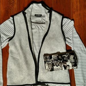 🎈SALE🎈Fleece zippered vest with side pockets.