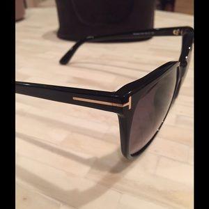 fa0cb231eb9 Tom Ford Accessories - Tom Ford Women s FT9309 Sunglasses