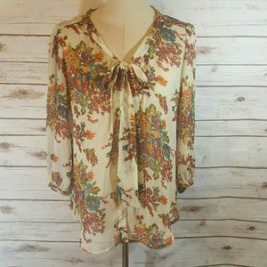 love on a hanger Tops - Love on a Hanger floral blouse