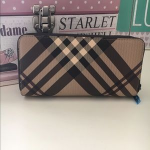 New brown plaid wallet