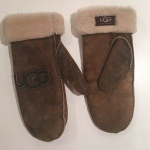 UGG Genuine Leather Gloves Shearling