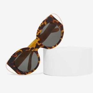 Nasty Gal Mizz Kitty Tortoise Shell Shades 🕶