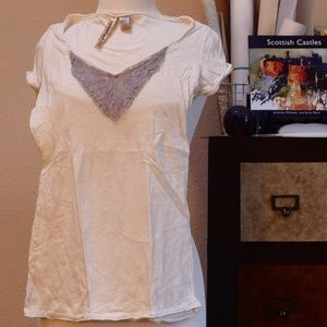 Tops - Off white V-neck with lace trim.