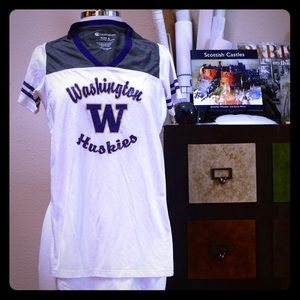 Tops - UW University of Washington V-neck