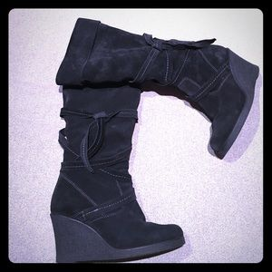 Cozy lined wedge boots