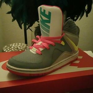 Nike Other - Nike court invader