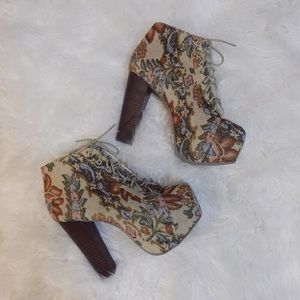 NWT Floral Canvas Lace-Up Booties