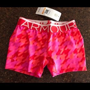 Under Armour Other - Girls small Under Armour compression shorts NWT