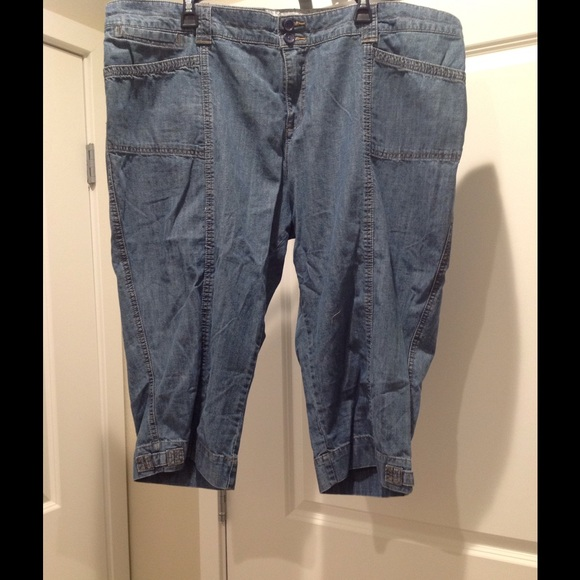 Lee - 👖LaDieS Plus Lee Denim Capris ~ 24W ~ EUC 👖 from Kimmi's ...