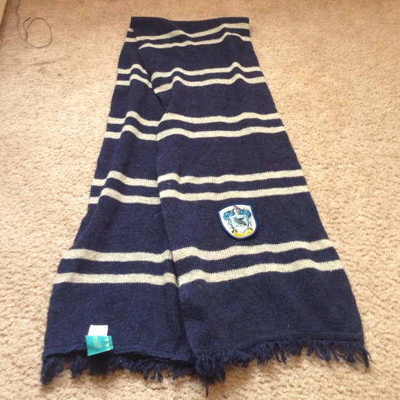 3d574bfd2d6 Hot Topic Accessories - Ravenclaw scarf