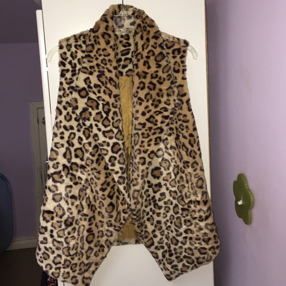 Jackets & Blazers - Faux fur cheetah vest